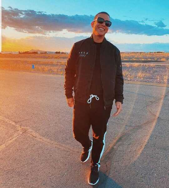 Daddy Yankee revela el secreto para verse cada día más joven.